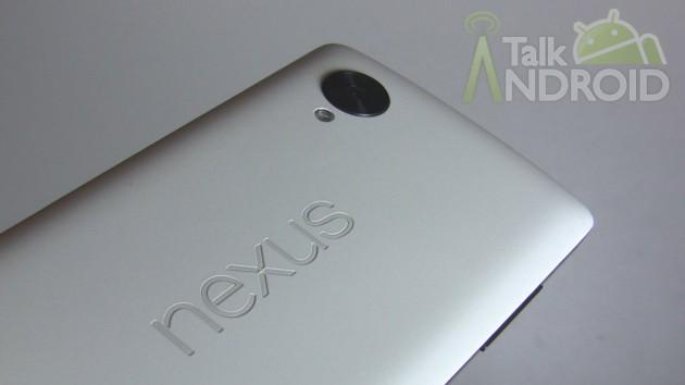 Nexus_5_Back_Slanted_Nexus_Logo_TA